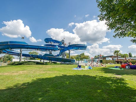 Waterglijbanen camping La Plaine Tonique