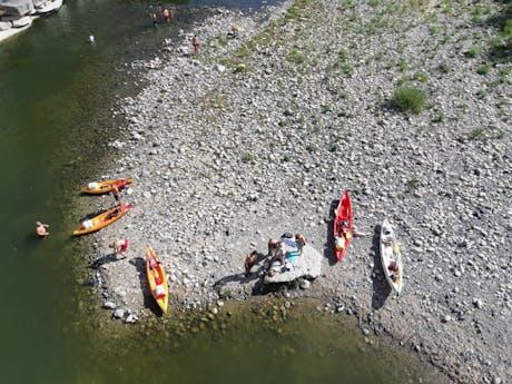 Camping Les Charmilles kanovaren foto van Ger
