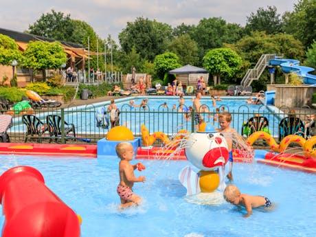 De Bosgraaf zwembaden