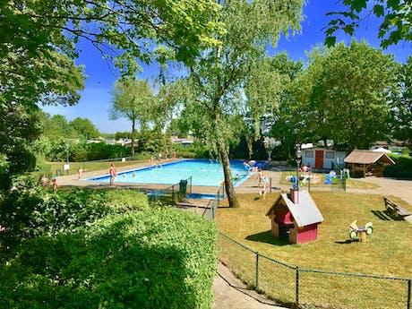 Camping Rhederlaagse Meren buitenzwembad