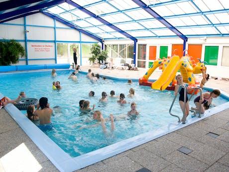 Camping 't Strandheem binnenzwembad