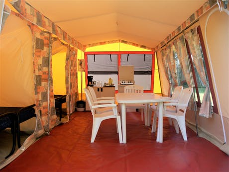Bungalowtent Coral woonkamer