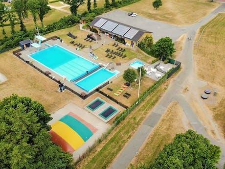Gemeenschappelijk zwembad Jelling
