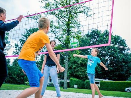 Camping 't Strandheem volleybalveld
