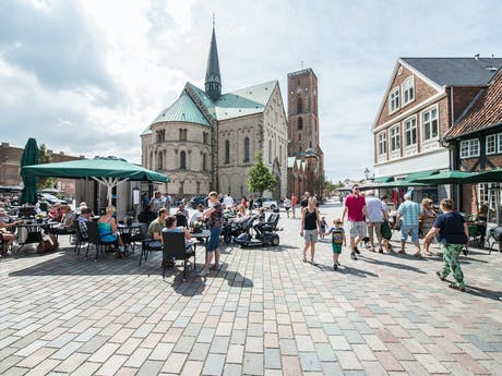 Ribe-cathedral-square