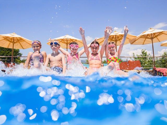 kinderen zwembad - sfeer