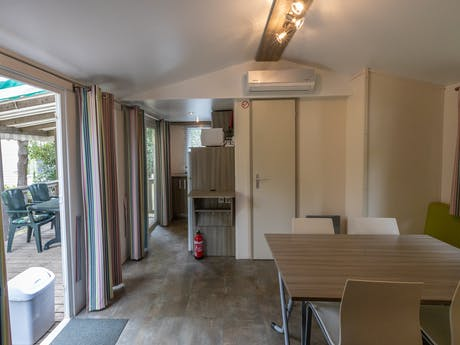 Stacaravan Mango Rent-a-Tent interieur