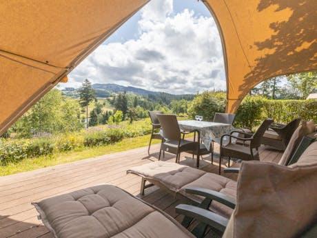 Grand Lodgetent camping Chateau de Montrouant