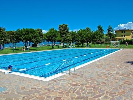 Camping del Garda buitenzwembad