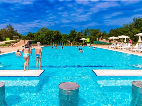 Camping Montescudaio zwemmen